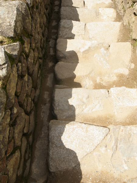 石組みの影がとても奇麗。