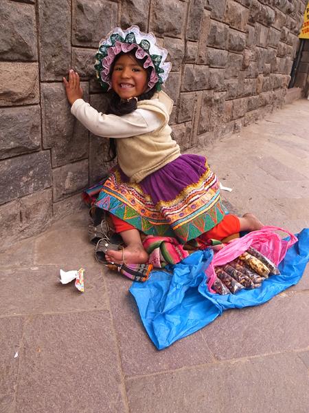 民族衣装を着たかわいい子!